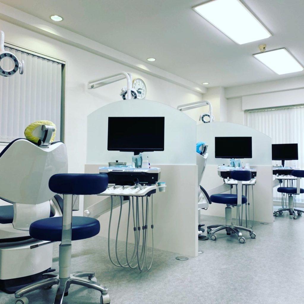 診療台、メンテナンスチェアー増設致しました。